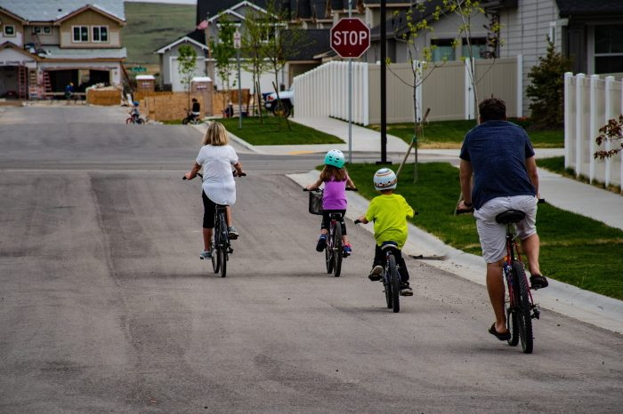 family-riding-on-bicycle-1073133